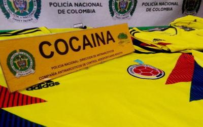 Koszulki Kolumbii nasączone kokainą