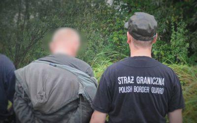 Przestępca z Ukrainy  przed strażnikami granicznymi ukrył się w rzece