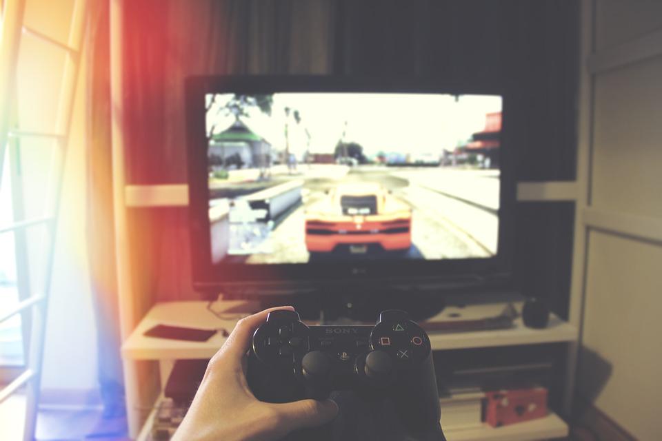 22-latek usłyszał 2 tys. zarzutów za nielegalne rozpowszechnianie gier